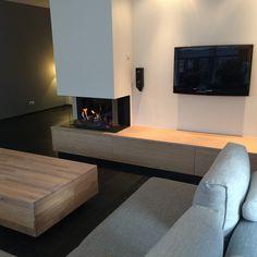 Living Room Decor Fireplace, Home Fireplace, Modern Fireplace, Fireplace Design, Beach Living Room, Bohemian Living Rooms, Living Room Modern, Home Living Room, Interior Design Living Room