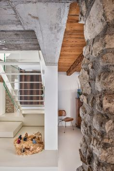 Inspiring residence situated in Sacile, Italy designed in 2013 by Corde Architetti. Architecture Details, Interior Architecture, Future House, Modern Contemporary, Interiores Design, Sweet Home, Stairs, Indoor, Interiors