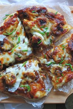 Pizza with Fig Preserves, Caramelized Onions and Chicken Sausages