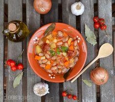 * Borlotti bean soup.  Find the recipe on my blog:  >>http://blueberriesandolives.com/2015/10/08/potaje-de-judias-borlotti-borlotti-bean-soup/  -------------------------------------  *Potaje de judías Borlotti. Encuentra la receta en mi blog:  >http://blueberriesandolives.com/2015/10/08/potaje-de-judias-borlotti-borlotti-bean-soup/