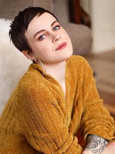 Short pixie haircuts with suitable hair colors is really very popular in these days. This combination always looks amazing and cute. See here the most gorgeous pixie haircuts with beautiful hair colors 2018 to sport right now.