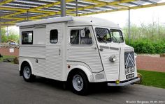 Citromobile Vijfhuizen, the Netherlands. First owner since Citroen Type H, Citroen H Van, Weird Cars, Cool Cars, Camper Caravan, Campers, Old Commercials, Commercial Vehicle, Motorhome