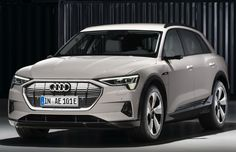 In every gear range, the interior of the Audi e-tron features exceptional covers materials, colors, and inlays. The Audi e-tron meets our finest quality Audi A, Bmw Z4, All Electric Cars, Electric Vehicle, Electric Crossover, Mid Size Suv, Tesla Model X, Asian, Paris