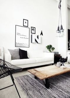 Minimalist living room is extremely important for your home. Because in the living room all the deeds will starts in your lovely home. findthe elegance and crisp straight Relaxed Minimalist Living Room.