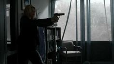 HOMELAND-CARRIE-MATHISON-CLAIRE-DANES-SCREEN-WORN-JACKET-SHIRTS-amp-PANTS-EP-212