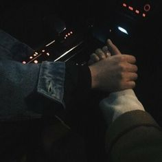 Couple, hands, and aesthetic image Photo Couple, Love Couple, Gay Couple, Couple Goals, Sweet Couple, Night Aesthetic, Couple Aesthetic, Aesthetic Girl, Couple Holding Hands