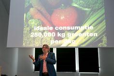 Meer groenten en minder vlees op het bord en meer koken met producten van het seizoen en uit de buurt. Dat zijn een paar doelstellingen van Dutch Cuisine. Een beweging die mensen bewust wil maken van gezond en lekker eten. Niet alleen vanuit het oogpunt van gezondheid, maar ook vanuit… Lees meer