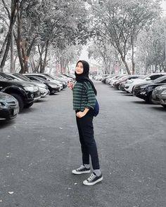 Modern Hijab Fashion, Street Hijab Fashion, Hijab Fashion Inspiration, Muslim Fashion, Minimal Fashion, Minimal Style, Minimal Classic, Simple Style, Casual Hijab Outfit