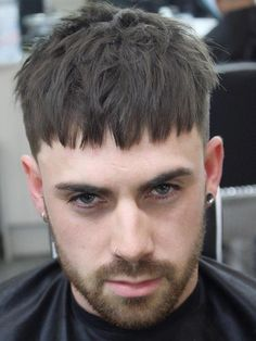 Timeless French Crop Haircut Variations in 2019 + Styling Guide Modern Short Hairstyles, Hairstyles Haircuts, Haircuts For Men, Short Hair Cuts, Short Hair Styles, Crop Haircut, Asian Men Hairstyle, Bowl Cut, Grunge Hair