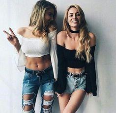 Outfits Divinos Casuales ❤ ♥ Crop top negro con hombros descubiertos y mangas…