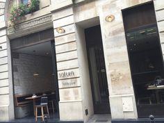 facade-restaurant-saturne-17-rue-notre-dame-des-victoires-paris-2