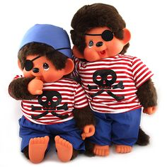 Roztomilý opičák s prstem v puse byl na trh uveden japonskou společností Sekiguchi již v roce 1974.