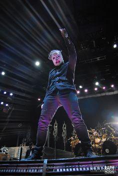 Slipknot performing