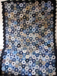 Mein Blumengarten (The Great Hexagon Quilt - Along) , Hexagon Patchwork, Hexagon Pattern, Hexagon Quilting, Paper Piecing Patterns, Quilt Patterns, Blue Quilts, English Paper Piecing, Quilting Tutorials, Creations