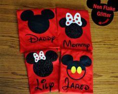 Disney mundo familia juego camisas personalizadas por GlitterTee