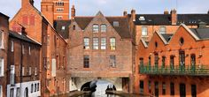 (Photo: Tupungato/Shutterstock) 10 surprisingly cheap european cities// England's biggest city, Birmingham-a historical urban hub criss-crossed with pretty canals and classic British pubs that's all too often overlooked by American tourists. Birmingham Canal, Birmingham England, London England, Cheap European Cities, Cities In Europe, Low Cost Hotels, Uk Holidays, Thing 1, River Walk