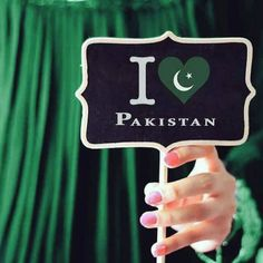 Happy Independence Day Messages, Happy Independence Day Pakistan, Girl Hand Pic, Girls Hand, Pakistan Images, Pakistan Zindabad, Beauty Army, Cute Couple Wallpaper, Independance Day