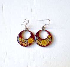 Vintage handmade pressed flower earrings   Etsy shop https://www.etsy.com/listing/254346098/10-off-sale-vintage-pressed-flowers