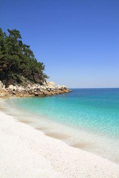 Marmara (Marble) beach, on Thasos island – Marmara (Marmor) Strand, auf der Insel Thasos – Beautiful Islands, Beautiful Beaches, Places To Travel, Places To Visit, Macedonia Greece, Places In Greece, Exotic Beaches, Greece Islands, Island Beach