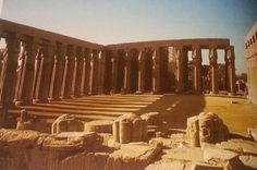 temple de Louqsor, Aménophis III (1370 avant JC)