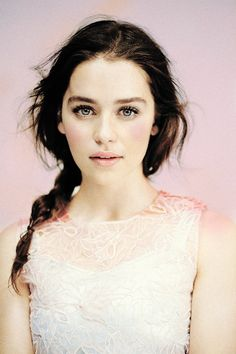 Can Emilia Clarke stop being so beautiful all the time!?!?.......Nah probably not !! ;-)