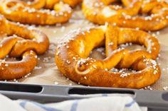 Pretzel, pãozinho alemão delicioso para fazer em casa!  #pretzel #bread #pão #recipe