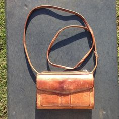 Fossil Purse, Brown Distressed Leather Very cute, vintage look, brown leather, Fossil cross body purse. In very good condition. Fossil Bags Crossbody Bags