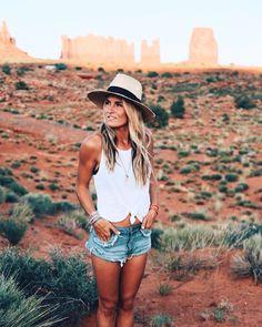 Monument Valley moments x @gratefullylauren