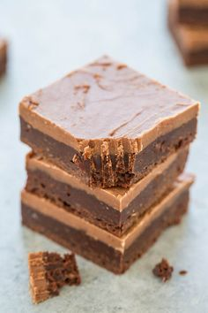 Texas Sheet Cake Brownies - Easy, FUDGY, no mixer brownies that are rich, chocolaty and decadent!! The classic Texas sheet cake frosting makes them totally IRRESISTIBLE!!