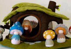 Waldorf Inspired Shroompers Dolls And Dollhouse Encourage Imaginative Play Waldorf Mushroom Felt dolls – Inhabitots Small World, Felt Doll House, Felt Crafts, Diy Crafts, Felt Play Mat, Felt Tree, Felt Fairy, Waldorf Toys, Green Gifts