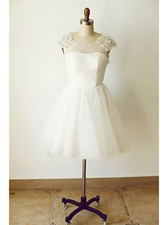 A-line Wedding Dress Knee-length Scoop Tulle with Beading / Flower / Lace