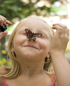 May the butterfly of happiness. Precious Children, Beautiful Children, Children Photography, Nature Photography, Butterfly Kisses, Happy People, Beautiful Butterflies, Make You Smile, Cute Kids