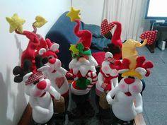 SANTAS ESTILIZADOS Christmas Crafts, Xmas, Snowman Ornaments, Coca Cola, Bowser, October, Santa, Projects, Avatar