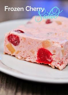 Miss Daisy's Frozen Cherry Salad - Entertaining dishes - Frozen Fruit Recipes Cherry Desserts, Jello Recipes, Köstliche Desserts, Frozen Desserts, Delicious Desserts, Yummy Food, Recipies, Paleo Jello, Blueberry Desserts