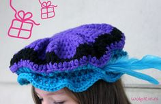 Piet hat hooks I am in love with these colors! I just never thought of combining… Love Crochet, Crochet For Kids, Diy Crochet, Crochet Baby, Crochet Ideas, Hat Hooks, Christmas Hearts, Couture, Mitten Gloves