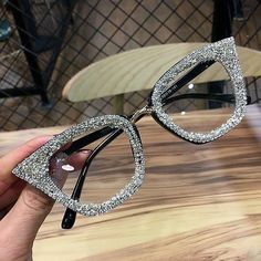 Women Vintage Cat Eye Sunglasses Iced Out Frame Retro Brand Designer Glasses Vintage Cat, Retro Vintage, Bling Bling, Fashion Eye Glasses, Cat Eye Glasses, Eyeglasses For Women, Sunglasses Women, Luxury Sunglasses, Vintage Sunglasses