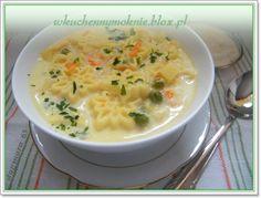 Tą delikatną, smaczną zupę gotuję od wielu lat. Jest szybka w wykonaniu, co stanowi dodatkowy jej walor. Na przepis natknęłam się przed laty przeglądając