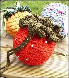 "Free pattern for ""Berry Bags""...they expand to a market size bag...very cool!"