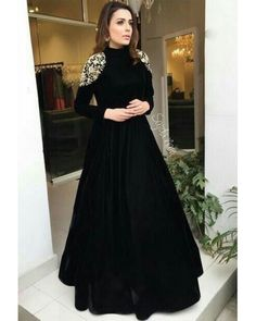 <img> Black tapeta silk embroidered partywear gown Source by - Fashion Vestidos, Fashion Dresses, Pakistani Dresses, Indian Dresses, Sabyasachi Gown, Anarkali Dress, Moda India, Mode Abaya, Evening Dresses