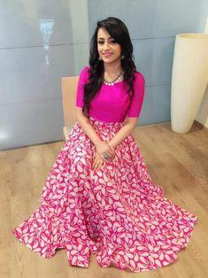 Indian Gowns Dresses, Indian Fashion Dresses, Indian Designer Outfits, Designer Dresses, Long Gown Dress, Anarkali Dress, The Dress, Lehenga Choli, Long Dress Design