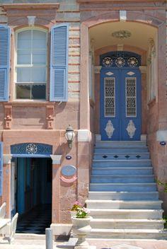 Izmir, Turkey - We loved the old houses of İzmir.