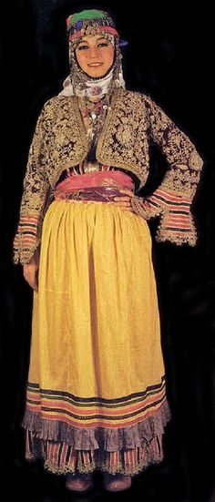 Traditional bridal (but also: general festive) village costume from the district of Germencik (province of Aydın).  Mid-20th century.