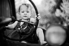 Cute picture to go on tractor party invitation. Twin Toddler Photography, Farm Photography, Children Photography, Toddler Pictures, Baby Boy Pictures, Guy Pictures, Big Family Photos, Fall Family Pictures, Kid Photos
