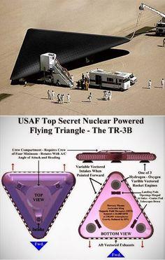 Il velivolo a propulsione antigravitazionale TR-3B ripreso da un aereo
