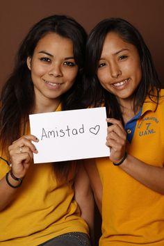 Friendship, Claudia Reyna y Verónica Navarro, Estudiantes, Monterrey, México.
