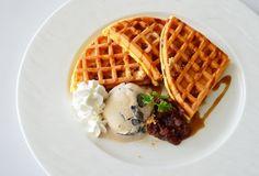 Kuromitsu and Kinako waffle
