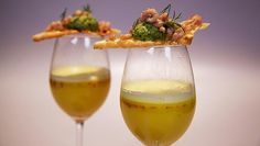 Aspergebouillon met saffraanroom - Impress Your Friends Soup Starter, Tapas, Bistro Food, Fennel Salad, High Tea, Fine Dining, Food Inspiration, Love Food, Food Photography
