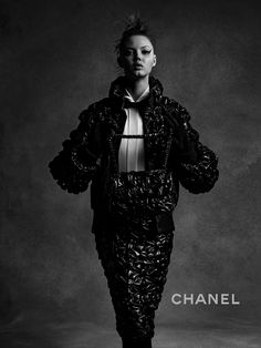 Anna Ewers & Lindsey Wixson by Karl Lagerfeld for Chanel Fall-Winter Ad Campaign - Minimal. Lindsey Wixson, Chanel Fashion, Fashion Editor, Women's Fashion, Karl Lagerfeld, Chanel 2015, Anna Ewers, Campaign Fashion, Vogue Australia