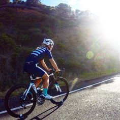 LIVE IN THE MOMENT AND LET THE LIGHT GUIDE YOU   Mornings riding on the Great Ocean Road.  #1OM #oneofmany #cycling #ride #liv #giant #greatoceanroad #inspiration #goals #triathlete #swimbikerun by 1om_official