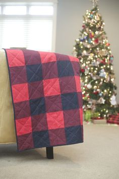 = free pattern = Buffalo Check Quilt Pattern from Empty Bobbin Sewing Studio. Multiple sizes from mini to king. Free printable instructions.